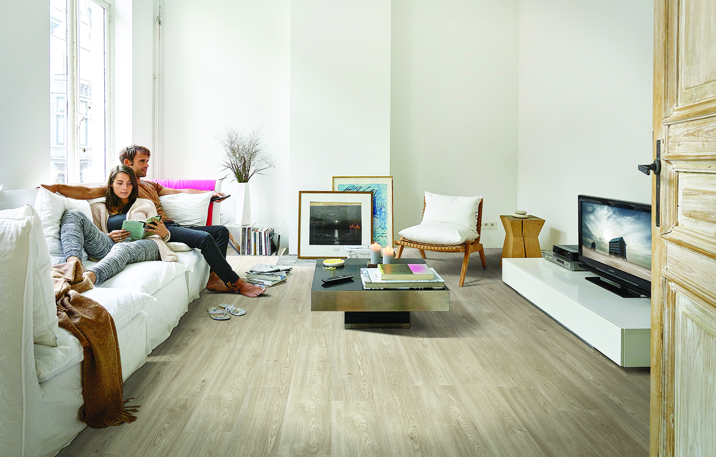 How to pick the perfect living room flooring? | BerryAlloc ...
